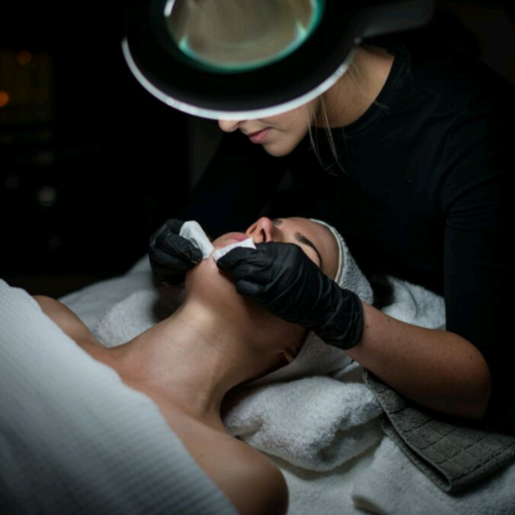 Shine skin and body Extraction Facial